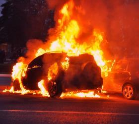 Ночью сгорело 4 автомобиля